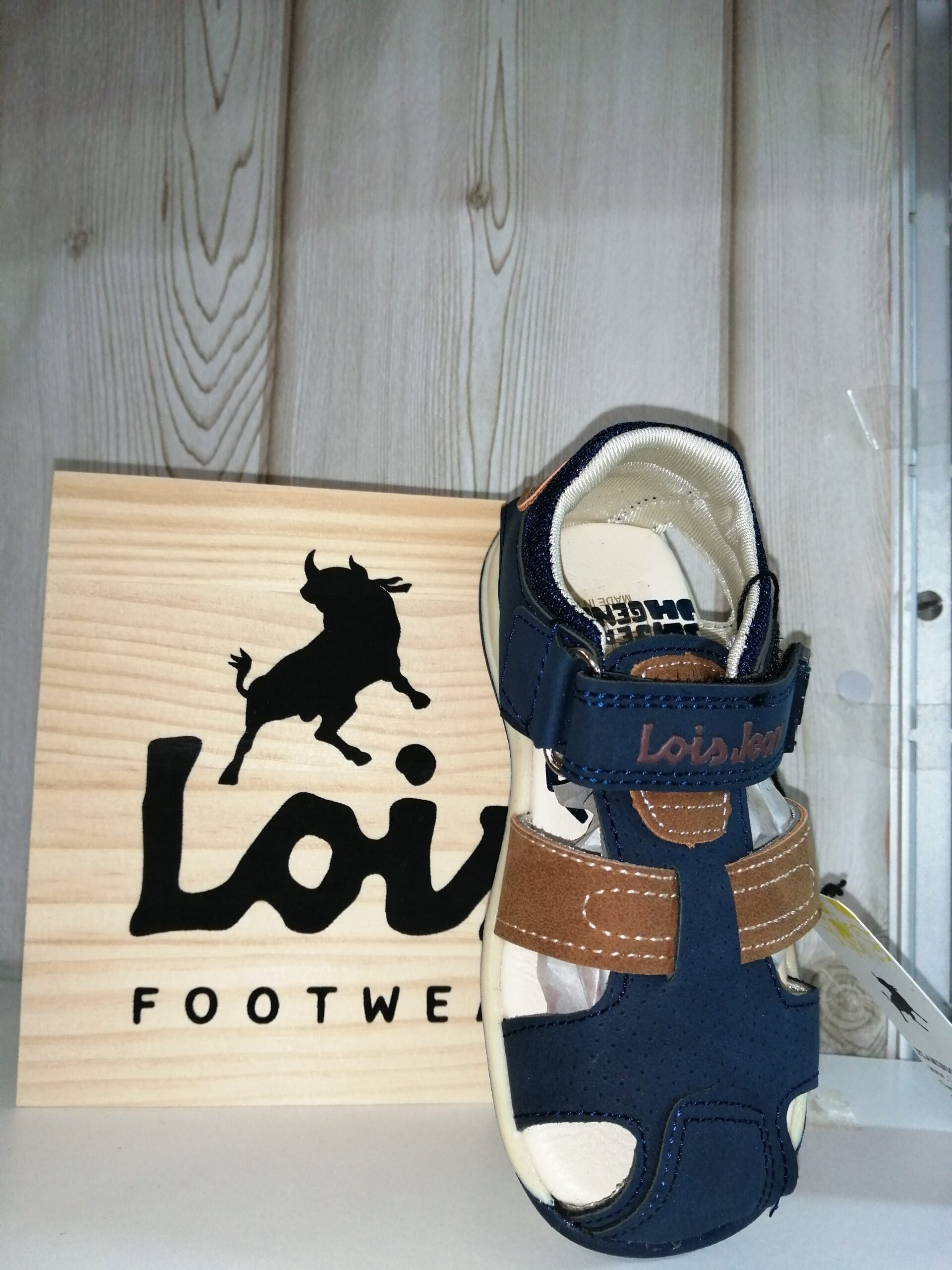 Sandalia velcros niño LOIS 46154